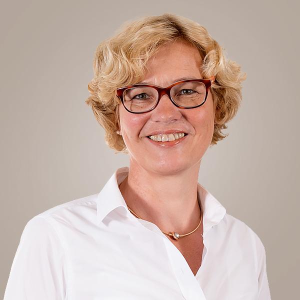 Steuerfachangestellte / Bilanzbuchhalterin Karin van Elten