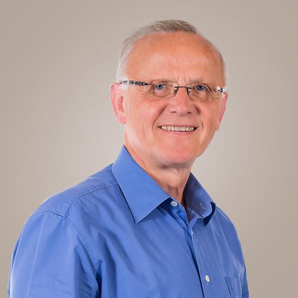 Steuerfachangestellter Bernd Dünhöft